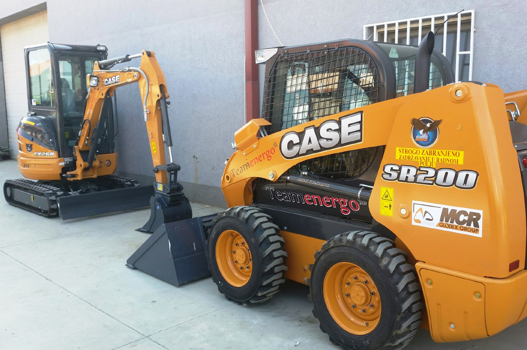 MACHINES for digging on all terrain
